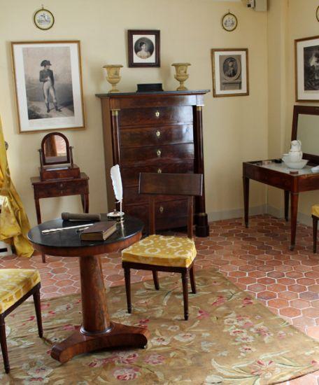 musée Gallé-Juillet de Creil - chambre Empire jaune